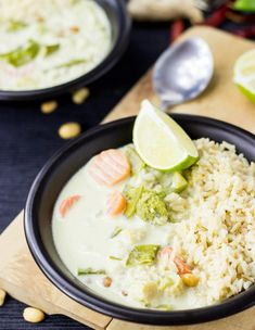 Quick and Easy Vegetarian Thai Green Curry. Ready in 30 minutes and packed full of taste, spice and a fresh lime kick. Delicious and nutritious! Easy Thai Green Curry, Vegetarian Thai Green Curry, Vegetarian Lunch, Vegetarian Recipes, Healthy Recipes, Green Thai, Vegetarian Diets, Vegetarian Lifestyle, Healthy Food