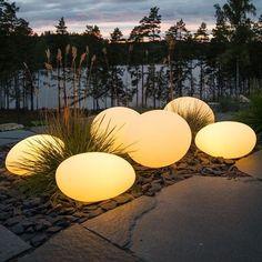 Outdoor Lighting Landscape, Landscape Lighting Design, Backyard Lighting, Outdoor Lamps, Best Outdoor Lighting, Lighting Ideas, Outdoor Living, Outdoor Furniture, Modern Landscaping