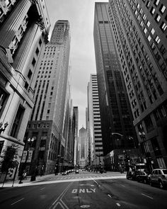 Top Ten Photography Locations in Chicago. This whole trip is going to be basically one big photography adventure and I'm so stoked. Hopefully articles like this will help me get some ideas. Chicago Travel, Chicago Trip, My Kind Of Town, Greatest Adventure, Amazing Architecture, Vintage Photos, New York Skyline, Skyscraper, Tripod
