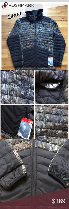 Men's North Face Coat NWT New with tags ! Ships Fast! Men's size small The North Face Thermoball Snow  Lightweight jacket Water , wind resistant ,  Zip pockets with media storage Quilted army Fatigue Pattern  Retails $220 North Face Jackets & Coats Performance Jackets