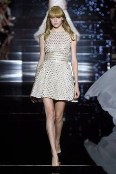 Why do I see Taylor Swift in this creation?Zuhair Murad - passage 43