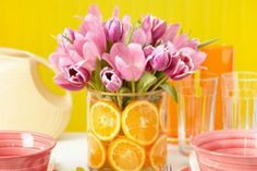 Get inspired with these wonderful ideas for an original mothers day table decoration that will impress your mom & please all the family using flowers & fruits.