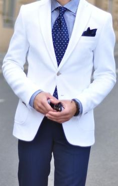 #whitesuit #mensfashion #menswear #mensstyle #bespoke #customsuit #giorgentiweddings
