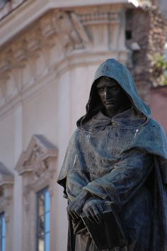 Memorial statue of Giordano Bruno, burned at the stake for saying the universe was infinite. Statue was erected on the Campo de' Fiori, Rome, as a monument to free thought, after Italian unification and the establishment of a secular state. Italian Unification, Secular State, Bella Roma, Pantheism, Rome Tours, Ancient Rome, Mysterious, Art History, Renaissance