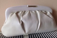 VINTAGE 70s 80s WHITE FAUX LEATHER FRAMED CLUTCH BAG PURSE BY SYMPHONY
