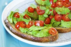 Pea pesto and avocado sandwiches © Hanna Stolt | Health360.fi