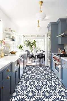 Creative And Inexpensive Unique Ideas: Small Kitchen Remodel kitchen remodel design tile.U Shaped Kitchen Remodel Islands small kitchen remodel green.Full Kitchen Remodel On A Budget. Kitchen Ikea, Kitchen Flooring, New Kitchen, Kitchen Decor, Kitchen Small, Kitchen Countertops, Kitchen Modern, Small Kitchens, Kitchen Paint