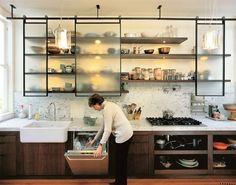 キッチンの吊り戸棚、どんな風に使ってる?収納しやすくお洒落な吊り戸棚にするには? | folk