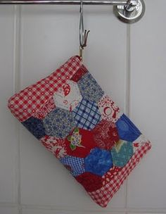 Hexies pouch with gingham