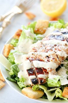 Grilled Chicken Caesar Salad for a yummy summertime lunch or dinner! With a simple yogurt marinade recipe, this grilled chicken is tender and delicious. Served over romaine lettuce, homemade croutons, shaved parmesan and caesar dressing - YUM! Salad Recipes Healthy Lunch, Healthy Grilling Recipes, Salad Recipes For Dinner, Quick Dinner Recipes, Easy Healthy Dinners, Easy Healthy Recipes, Healthy Eating, Healthy Desserts, Healthy Food