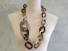 Horn extra large accent links necklace.