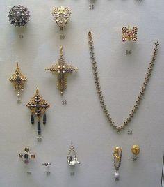 Tudor Jewellry