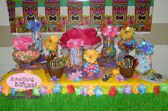 New party ideas luau candy bars Ideas Hawaiian Candy, Hawaiian Birthday, Luau Birthday, Sweet 16 Birthday, Birthday Parties, Kids Luau Parties, Party On Garth, Hawaian Party, Luau Theme Party