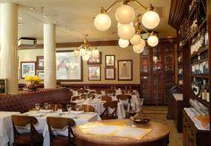 Pensar en comida española de primer nivel y en un buen lugar para comer pescado desde siempre significa pensar en Oviedo, uno de los mejores restaurantes de Buenos Aires, impresión ratificada por el ranking de los 50 mejores restaurantes de América Latina que publicó recientemente la revista británica de gastronomía Restaurant.