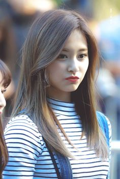 Chou Tzuyu, known mononymously as Tzuyu, is a Taiwanese singer based in South Korea and a member of the K-pop girl group Twice, under JYP Entertainment. Kpop Girl Groups, Korean Girl Groups, Kpop Girls, K Pop, Nayeon, Korean Beauty, Asian Beauty, Oppa Gangnam Style, Twice Tzuyu