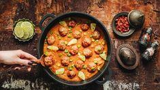 Chorizo, Paella, Ethnic Recipes, Food, Turmeric, Red Peppers, Essen, Meals, Yemek
