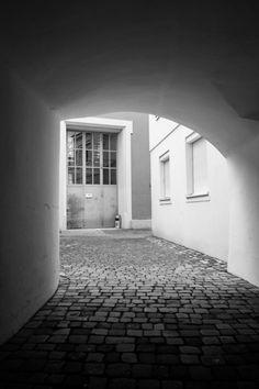 Torbogen mit Taube Feldkirch, Austria, Image, Gateway Arch, Pigeon