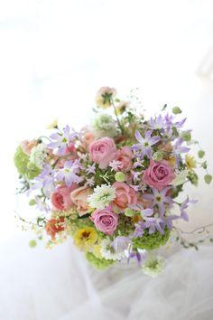 クラッチブーケ 春爛漫 京都までロケフォトに : 一会 ウエディングの花