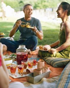 How to plan a picnic... I like the idea of serving food in muffin tins and using cutting board as  a table for drinks