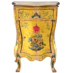 Rare 19th c. Venetian Bombe Serpentine Commode l An exquisite and rare Venetian commode from the late 1800s with a fabulous coloration of bright Venetian yellow.
