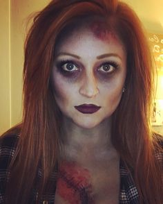 Zombie-Make-up … - Halloween Make-up Zombie Make Up, Halloween Zombie, Cute Zombie, Zombie Prom, Zombie Walk, Homemade Halloween Costumes, Family Halloween Costumes, Halloween Kids, Zombie Party Costume