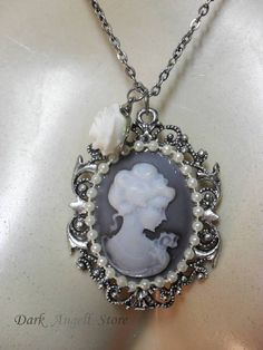 Victorian Lady Cameo 02