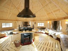 Bbq Hut, Tiny House Design, Shelter, Kitchen Island, Grilling, Ceiling Lights, Architecture, Home Decor, Sheds