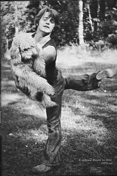 Baryshnikov with his poodle Foma, 1972 (photo by N.Alovert)