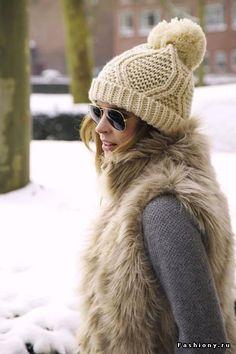 lutik-вязание крючком и спицами: более 150 моделей-вязаные шапки береты снуды 2014- 2015 модные стильные в тренде крупной вязки объёмные с ушками обзор фото подборка