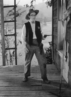 "Harold Lloyd in ""The Kid Brother,"" Silent Film Stars, Movie Stars, Silent Comedy, Harold Lloyd, Vintage Gentleman, Comedy Films, Funny People, Funny Men, Great Films"