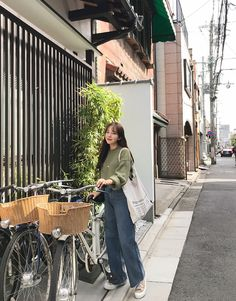 fall korean fashion which looks trendy Korean Fashion Trends, Korean Street Fashion, Korea Fashion, Asian Fashion, Daily Fashion, Trendy Fashion, Girl Fashion, Fashion Design, Style Fashion