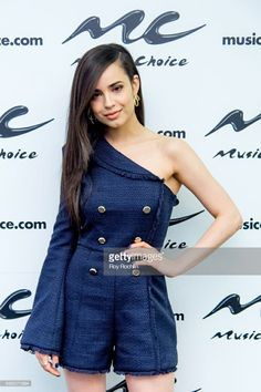 Sofia Carson Poster - - Sofia Carson poster, mouse pad, t-shirt. Dove Cameron, Cameron Boyce, Pretty Little Liars, Revlon, Hudson Taylor, Sophia Carson, Adventures In Babysitting, China Anne Mcclain, Foto Casual