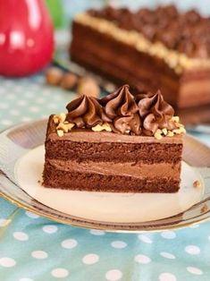 Cum se face prăjitura Felie de ciocolată cu alune de pădure? Nutella, Desserts, Food, Tailgate Desserts, Deserts, Essen, Postres, Meals, Dessert
