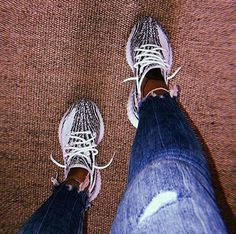 Hype Shoes, Buy Shoes, Me Too Shoes, Yeezy Outfit, Kicks Shoes, Vans Shoes, Boogie Shoes, Jordan Shoes Girls, Aesthetic Shoes