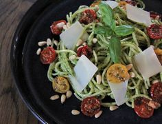 Rustikk Mat: Kremet pestopasta med ovnsbakte tomater Cobb Salad, Ethnic Recipes, Food, Eten, Meals, Diet