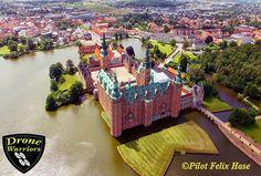 Departure: Frederiksborg Slot Danemark Drone : DJI Phantom 3 Standard Flight altitude: 60 Meters Visit our Site: https://www.areagoods.com