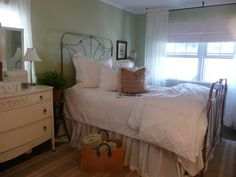 Shabby Chic Bedroom Design, Pictures, Remodel, Decor and Ideas - page 3