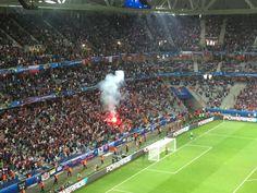 Болельщики сборной России в матче с командой Словакии 15 июня в Лилле зажгли на трибуне файер сразу после гола Глушакова, который был забит на 80-й минуте. Матч закончился со счетом 1:2 в пользу словаков.