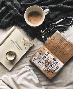 Coffee Flat Lay Style flat lay flatlay ins Cozy Aesthetic, Autumn Aesthetic, Aesthetic Coffee, Flat Lay Inspiration, Journal Inspiration, Autumn Inspiration, Flatlay Instagram, Amor Instagram, Coffee Photography