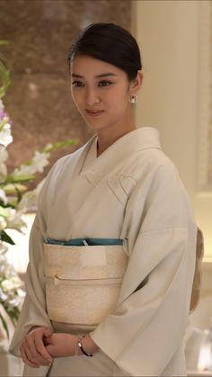 I 💗 Japanese Girls Japanese Geisha, Japanese Beauty, Japanese Kimono, Japanese Girl, Asian Beauty, Japanese Outfits, Japanese Fashion, Kimono Japan, Japan Woman