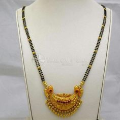 Latest Gold Mangalsutra Designs - Short And Long - ArtsyCraftsyDad Gold Mangalsutra Designs, Gold Earrings Designs, Gold Jewellery Design, Necklace Designs, Mangalsutra Simple, Long Pearl Necklaces, Gold Necklace, Pendant Necklace, Jewelry Patterns