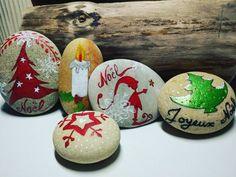 "17 Likes, 1 Comments - Valérie Simonet (@gaia_creation_byvaleriesimonet) on Instagram: ""Galet peint - Noël Hand painted pebble - Christmas  #handmade #handpainted #faitmain #paintedpebble…"""