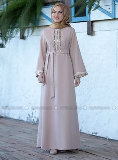 The perfect addition to any Muslimah outfit, shop Emsale's stylish Muslim fashion Beige - Crew neck - Unlined - Crepe - Dress. Find more Muslim Evening Dress at Modanisa! Black Abaya, Outfit Shop, Beige Dresses, Crepe Dress, Muslim Fashion, Evening Gowns, Dress Outfits, Crew Neck, Stylish