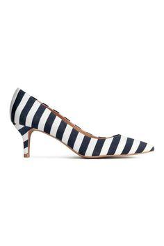 Pantofi escarpen cu dungi   H&M
