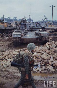 Hue Photo by Carl Mydans ~ Vietnam War Vietnam History, Vietnam War Photos, American War, American History, British History, Native American, M48, North Vietnam, War Photography