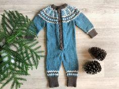 – Lettstrikka pannebånd Fur Coat, Sweaters, Dresses, Fashion, Gowns, Moda, Fashion Styles, Sweater, Fur Coats