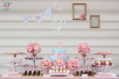 Primeiro ano da Lara {Shabby Chic} - Joy in the box Girls Party Decorations, Party Themes, Party Ideas, Girl Birthday, Birthday Parties, Shabby Chic, Baby Shower, Baby Party, Perfect Party
