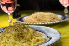 Κατσιο ε Πεπε εναντιον Αλ' Μπουρο: Αντιθεσεις Απλων Συνθεσεων International Recipes, Italian Recipes, Grilling, Spaghetti, Sweet Home, Food And Drink, Pasta, Ethnic Recipes, Kitchens