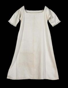 Chemise, shift. American, early 19th century. Linen, cotton, embroidery - in the Museum of Fine Arts Boston.