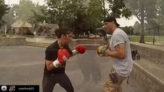 Technical Boxing Mittwork Certification - Become A Certified Boxing Mittology Instructor Boxercise Workout, Boxer Workout, Boxing Training Workout, Muay Thai Training, Kickboxing Workout, Gym Workout Videos, Self Defense Moves, Self Defense Martial Arts, Boxing Drills